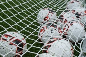 F-pojat jalkapalloharjoitukset Tammelan liikuntakeskuksen keinonurmella
