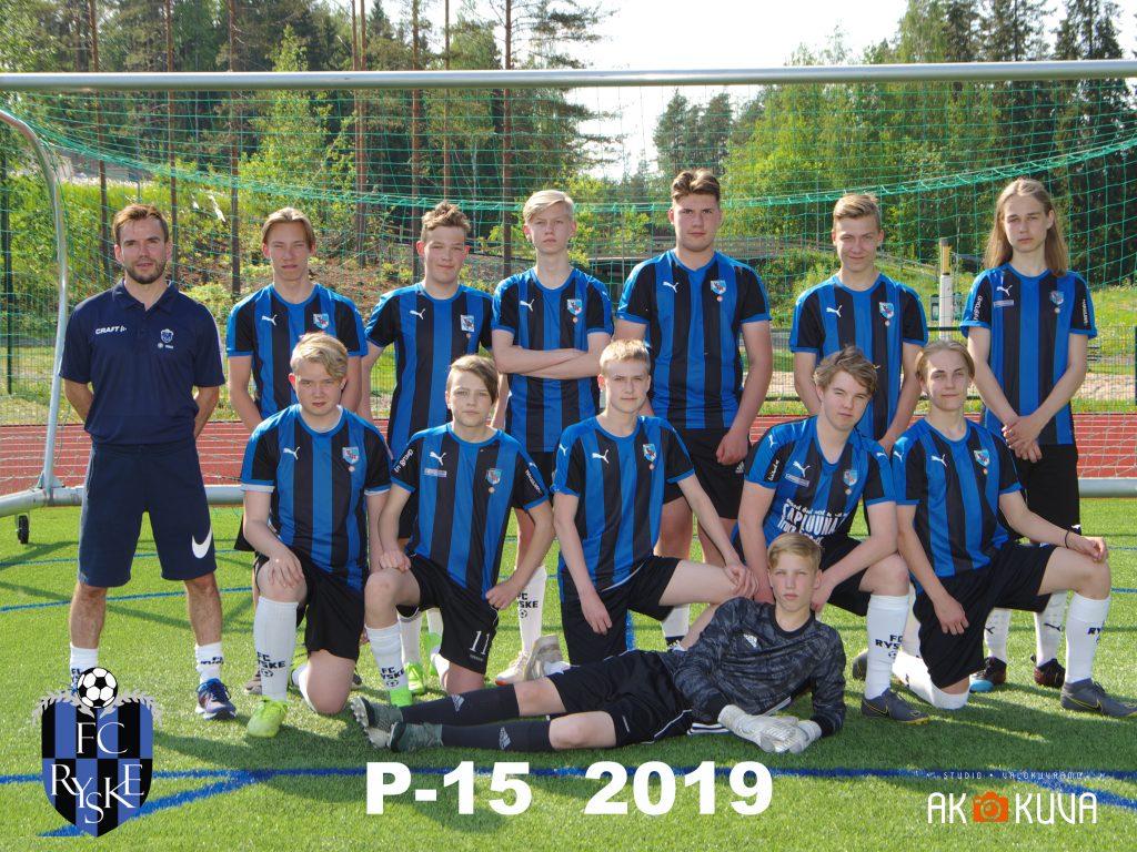 P-15 2019 joukkuekuva